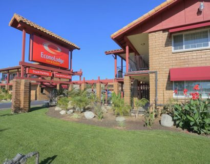hotel-in-carlsbad-econo-lodge-inn-suites_1