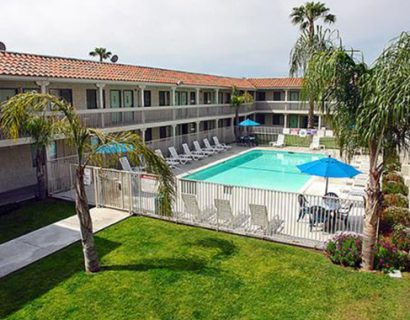 hotel-in-carlsbad-motel-6-downtown-carlsbad_1