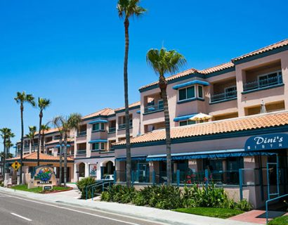 hotel-in-carlsbad-tamarack-beach-resort_1